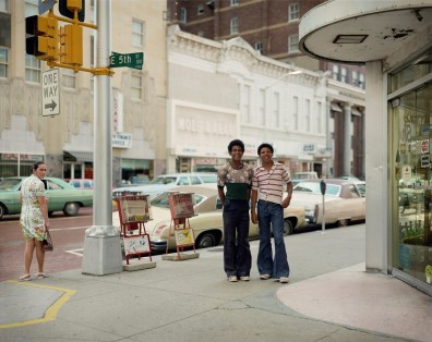 Stephen Shore, East Fifth Street and Main Street, Fort Worth, Texas, June 17, 1976